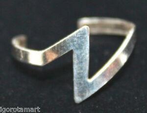 Tarnished-925-Sterling-Silver-Toe-Finger-Z-Thunder-Design-Wire-Open-Ring-UK