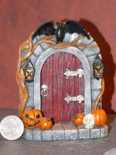 Dollhouse Miniature Halloween Door Pumpkins Scene 1:24 scale Y15 Dollys Gallery