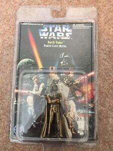 Star-Wars-Darth-Vader-Die-Cast-Metal-Keychain-Keyring-1996-French-Text