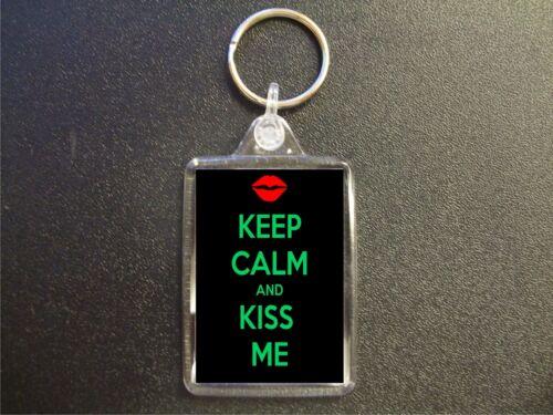 KEEP CALM AND KISS ME KEYRING BIRTHDAY GIFT BAG TAG