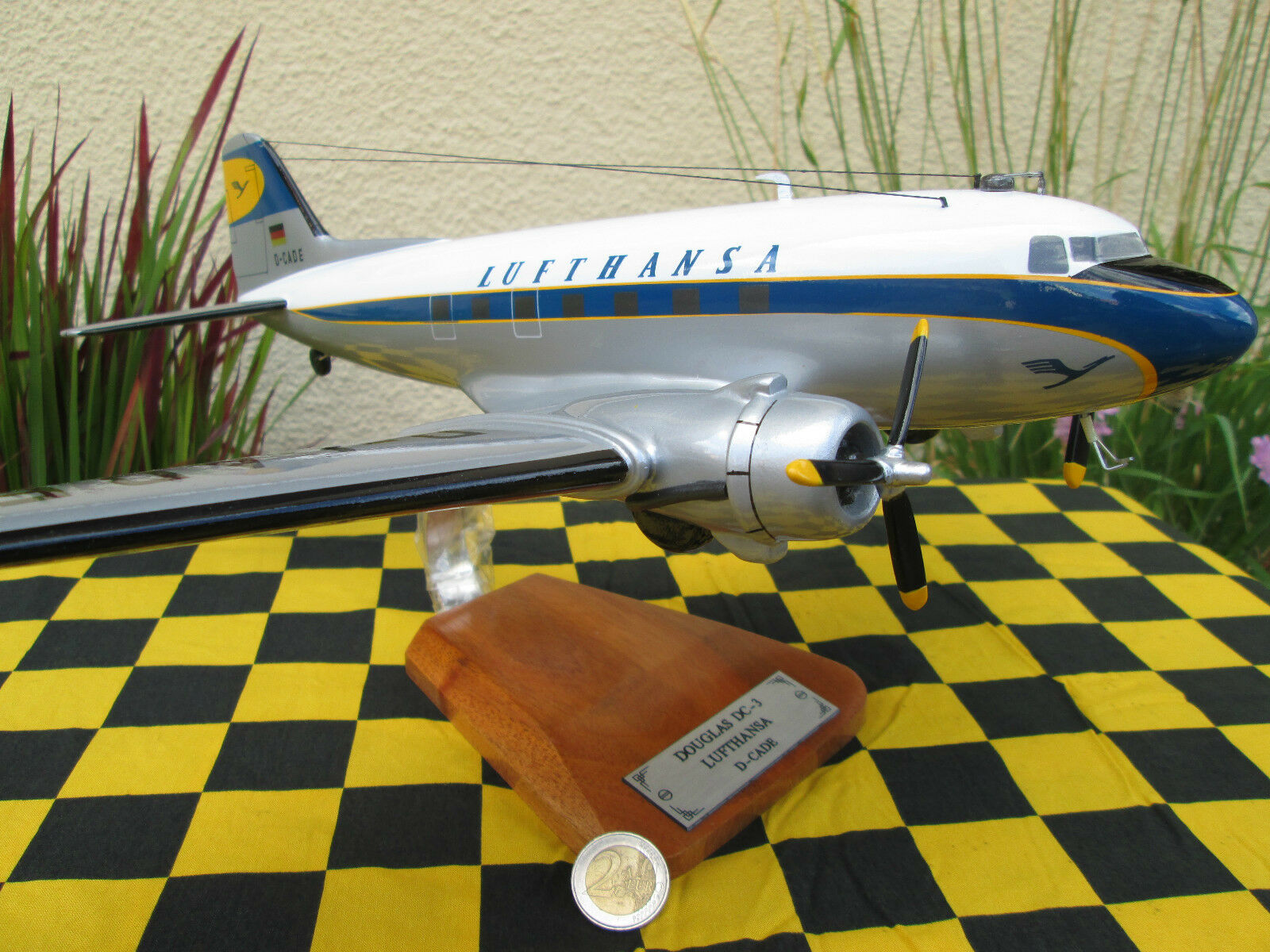 Douglas DC-3 LUFTHANSA Huge   AVION   Aircraft yakair woodmodel 1 48