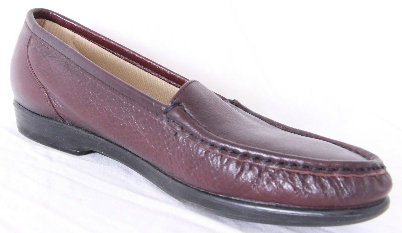 SAS Simplify Wine Pebbled Leather Moc Toe Slip On Casual Loafer Women's US 9.5S