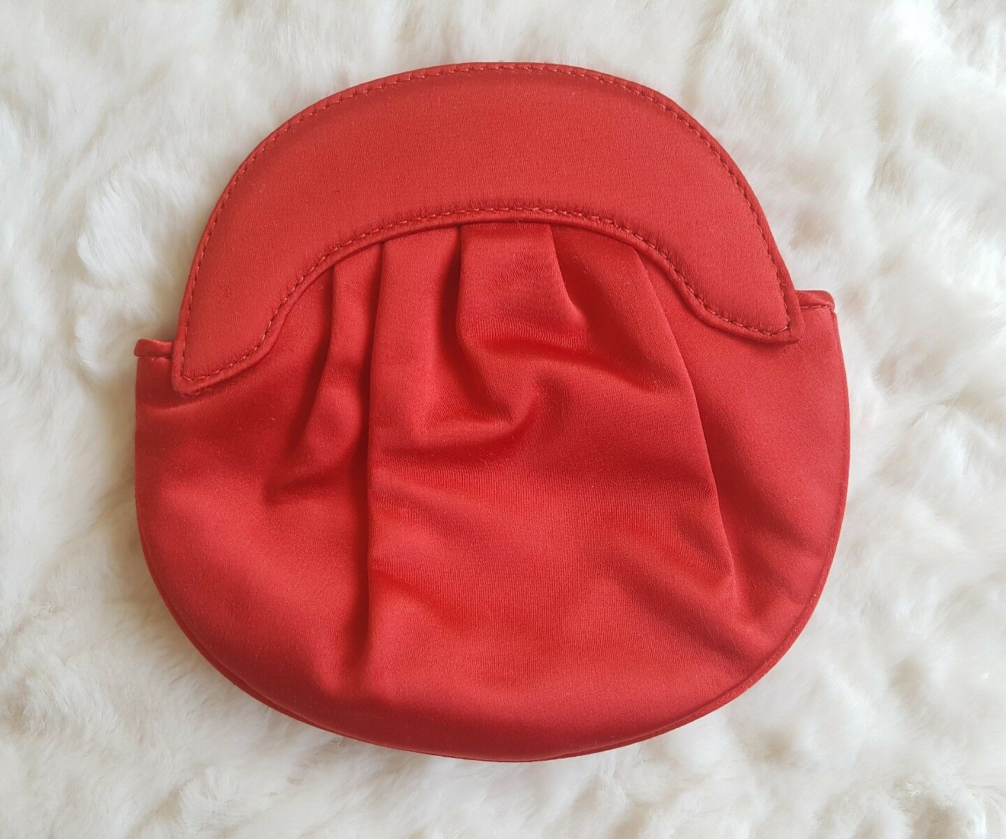 TABITHA SATIN RED CLUTCH AND MIRROR VINTAGE