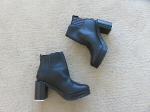 e7d7fefce5 New Sorel Margo Chelsea Leather Boots bootie 5.5 36.5 6 37 chic | eBay