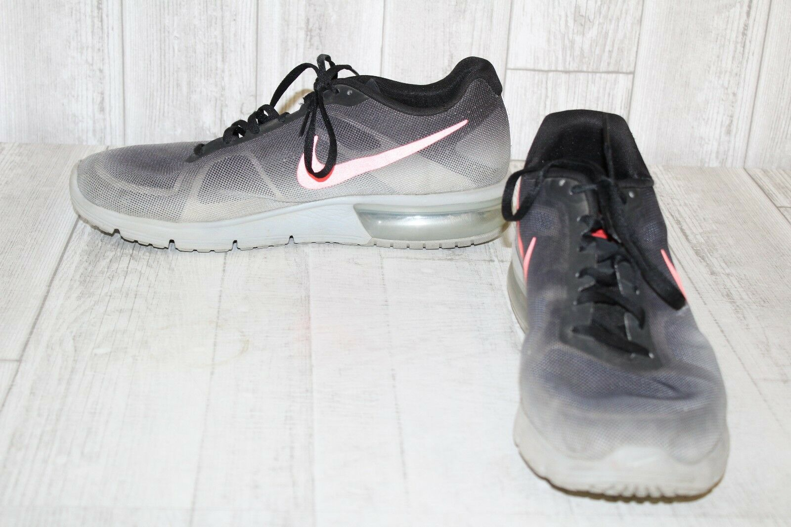 AIR MAX SEQUENT PERFORMANCE RUNNING SHOE - Men's Comfortable
