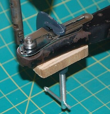 New Clamp on Fabric Guide to Suit Singer 29k, ABLE290, ADLER30 etc.