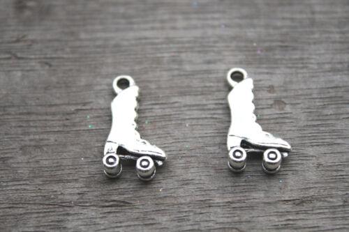 - 25 un Tono Plata Encantos de Skate Roller Roller Skate Encanto Colgante 21x12mm