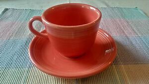 Fiestaware-Fiesta-Homer-Laughlin-Persimmon-Cup-amp-Saucer-Set-EXCELLENT