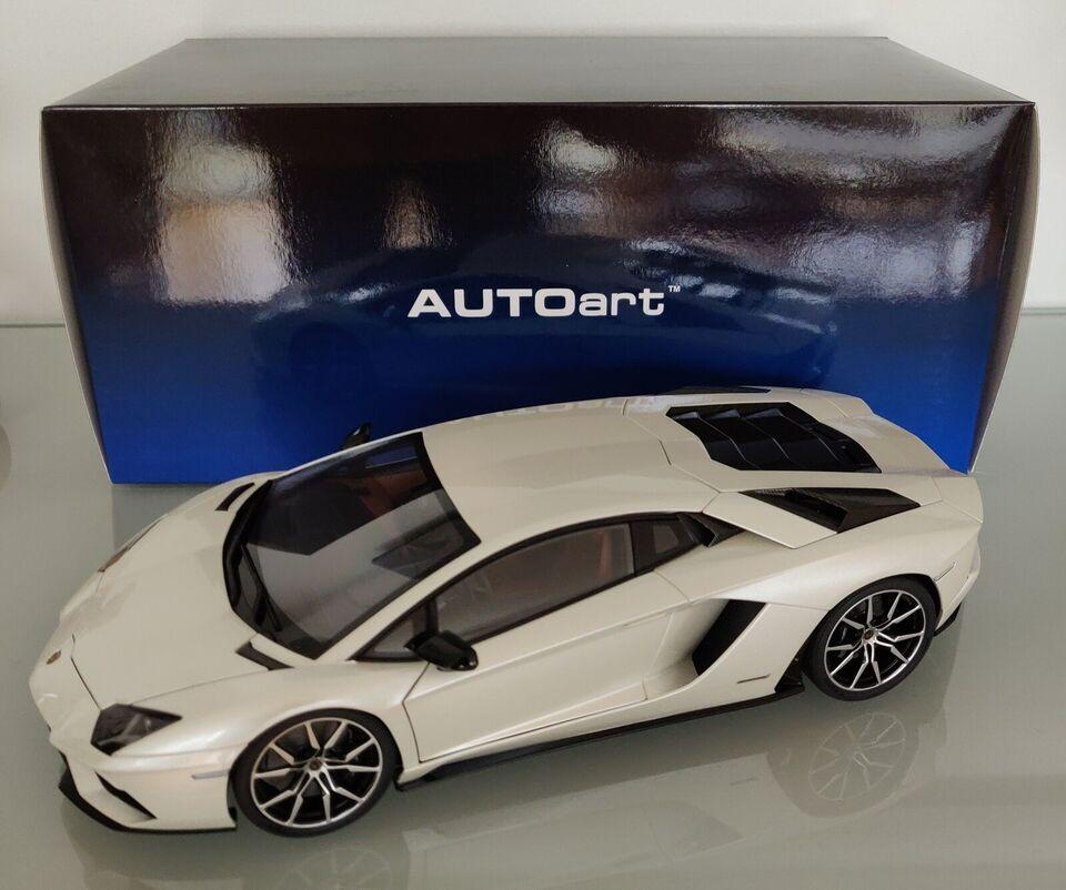 Modelbil, AUTOart Lamborghini Aventador S, skala 1:18