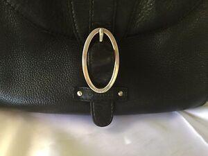 Vintage-Black-Leather-Oroton-handbag-Silver-O-Buckle-shoulder-bag-hand-purse