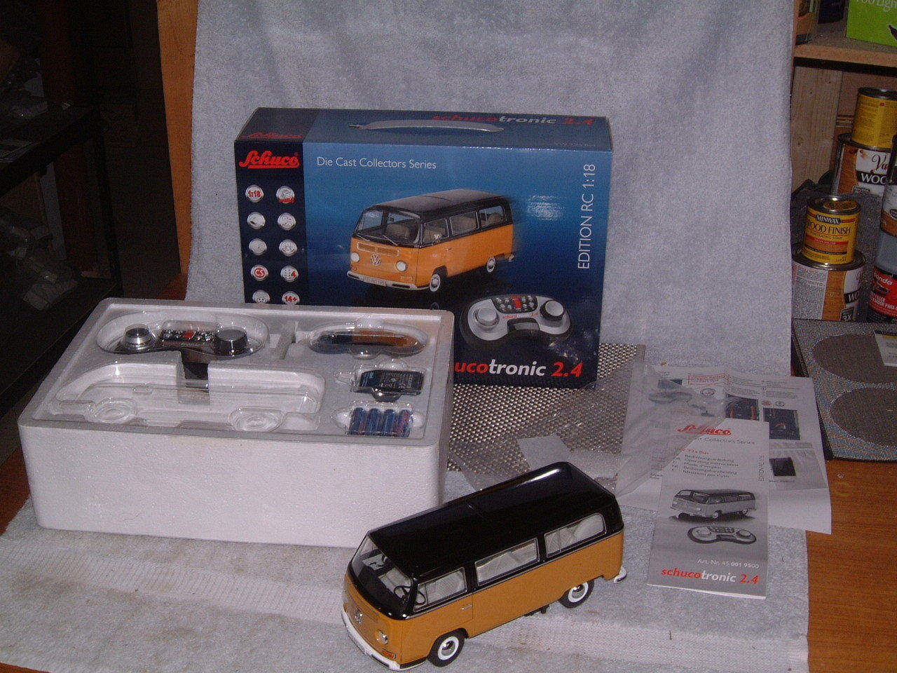 SCHUCO SCHUCOTRONIC VW T2a BUS DIE CAST REMOTE CONTROLLED 1 18 SCALE  NOS NIB