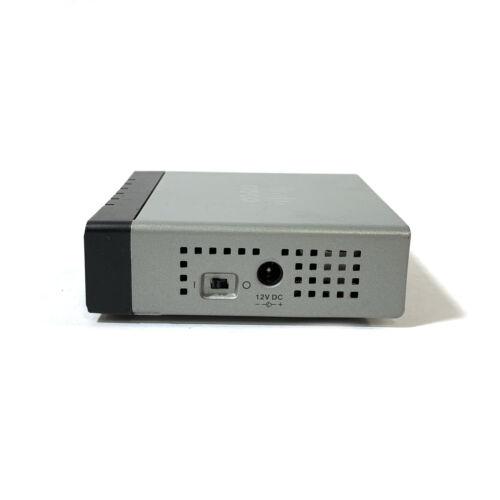 Cisco SF100D-05 v01 5-Port 10//100 Desktop Switch SF100D-05