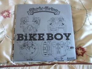 Rhode-Twinn-Bike-Boy-b-w-Whiteboy-45