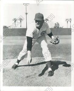 1957 Chicago Cubs Baseball Joueur Lanceur Jim Brosnan Photo De Presse
