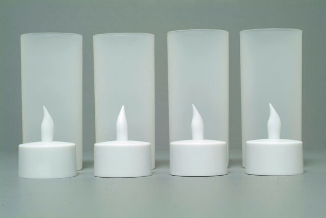 New Set of 4 Rechargeable LED Candles Flameless Candles with Charger No Battery