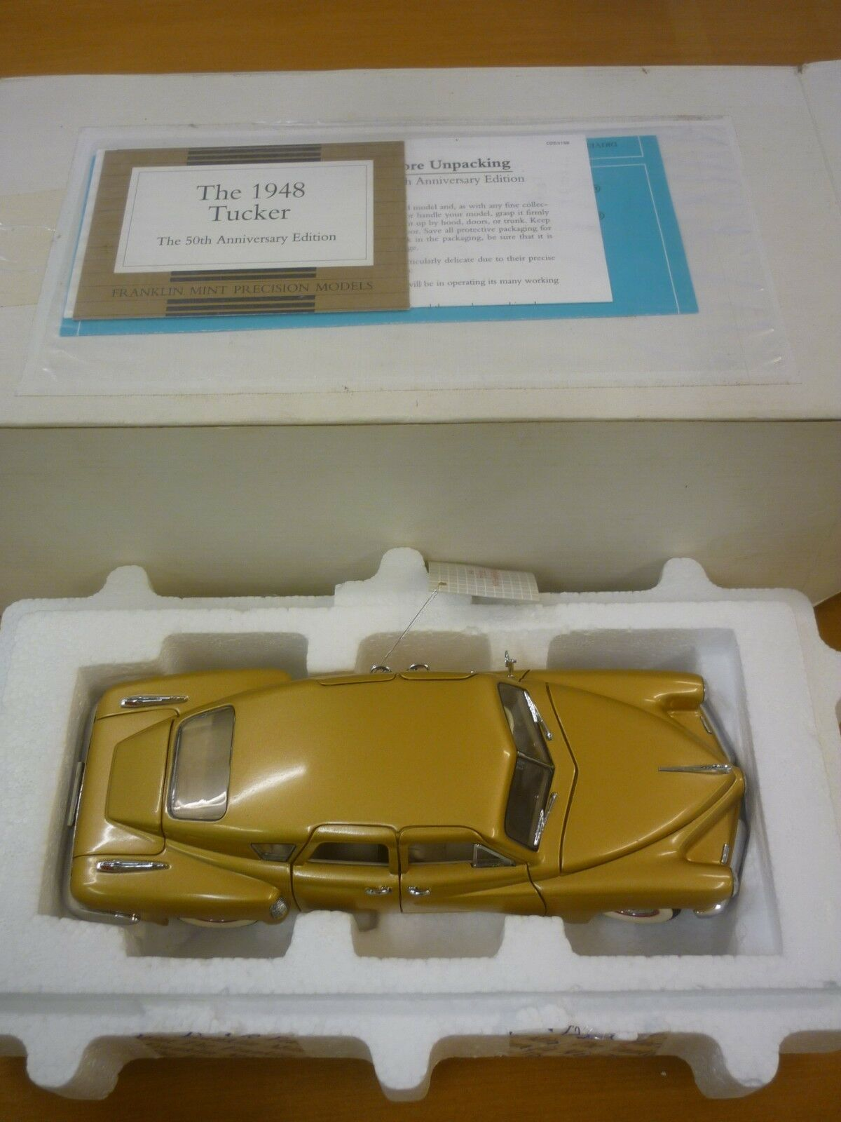 Franklin mint Scale model of a 1948 Tucker torpedo, paperwork, boxed