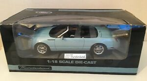 1/18 Beanstalk Group 10017t - Ford Thunderbird Décapotable 2003, Bleu Clair Rare