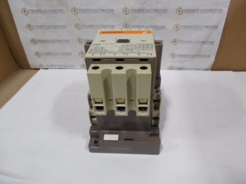 w// aux TB SIEMENS 3TF48 3 POLE CONTACTOR as shown in photo.