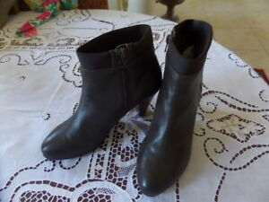 David-Tate-Brown-Leather-Zip-Up-Ankle-Booties-Size-7M