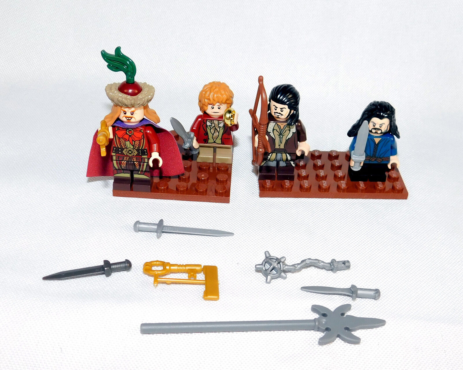 Lego Hobbit 79013 Lot of 4 Minifigures +Extras Bilbo Master Bard Lake Town Chase