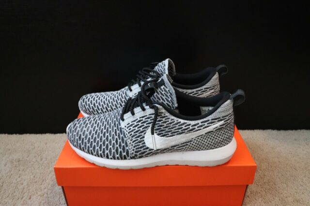 "check out 7fa56 f7e6b Mens Nike Roshe Run Flyknit ""Beethoven"" Size 9.5 black/white 677243-008"