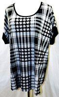 Suzie In The City Women Plus Size 1x 2x Gray Black Plaid Top Blouse Shirt