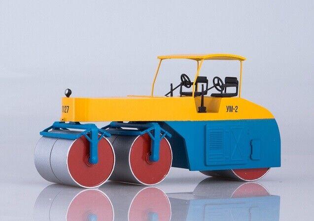 Modelpro 1 43. D-400A Russian Heavy Asphalt Roller.