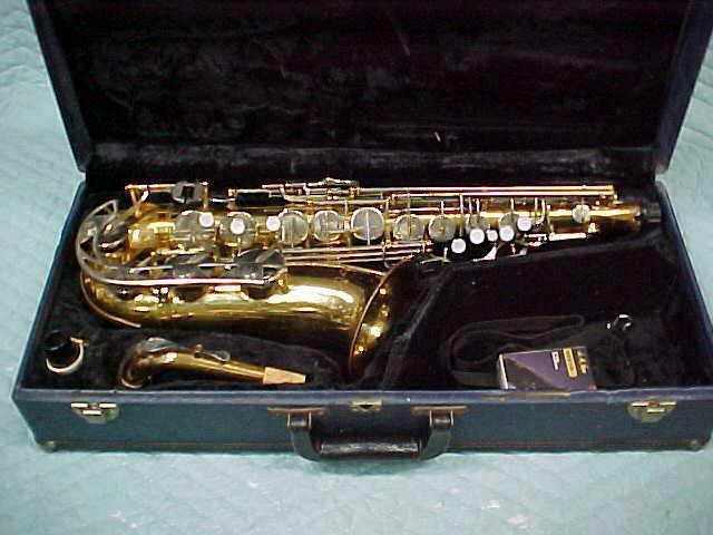 VITO YAMAHA  Alto Saxophone, Good Used Condition