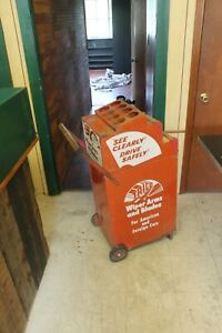 Vintage-TRICO-WINDSHIELD-WIPER-BLADE-DISPLAY-Cabinet-Service-Station-Cart-Wheels