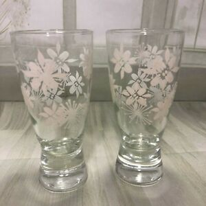 Vintage-tumbler-glasses-with-white-flowers-heavy-base-X-2