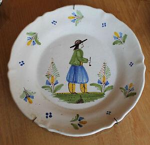 belle assiette a décor de personnage yROj6ALX-09164646-109501547
