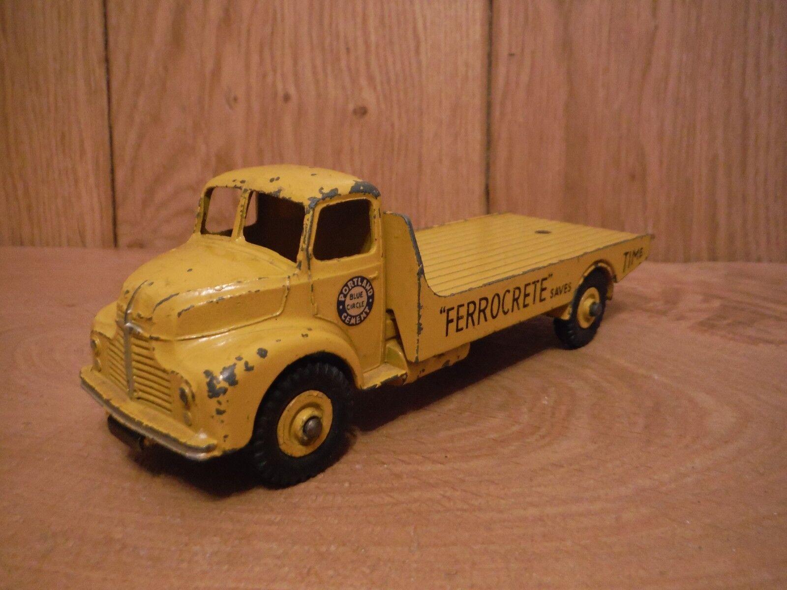 Dinky 533 Leyland Comet Cement wagon (0026)