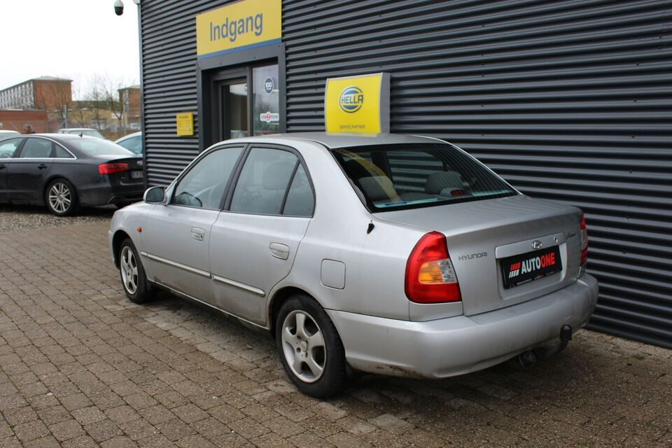 Hyundai Accent 1,5 GLS Benzin modelår 2001 km 149000