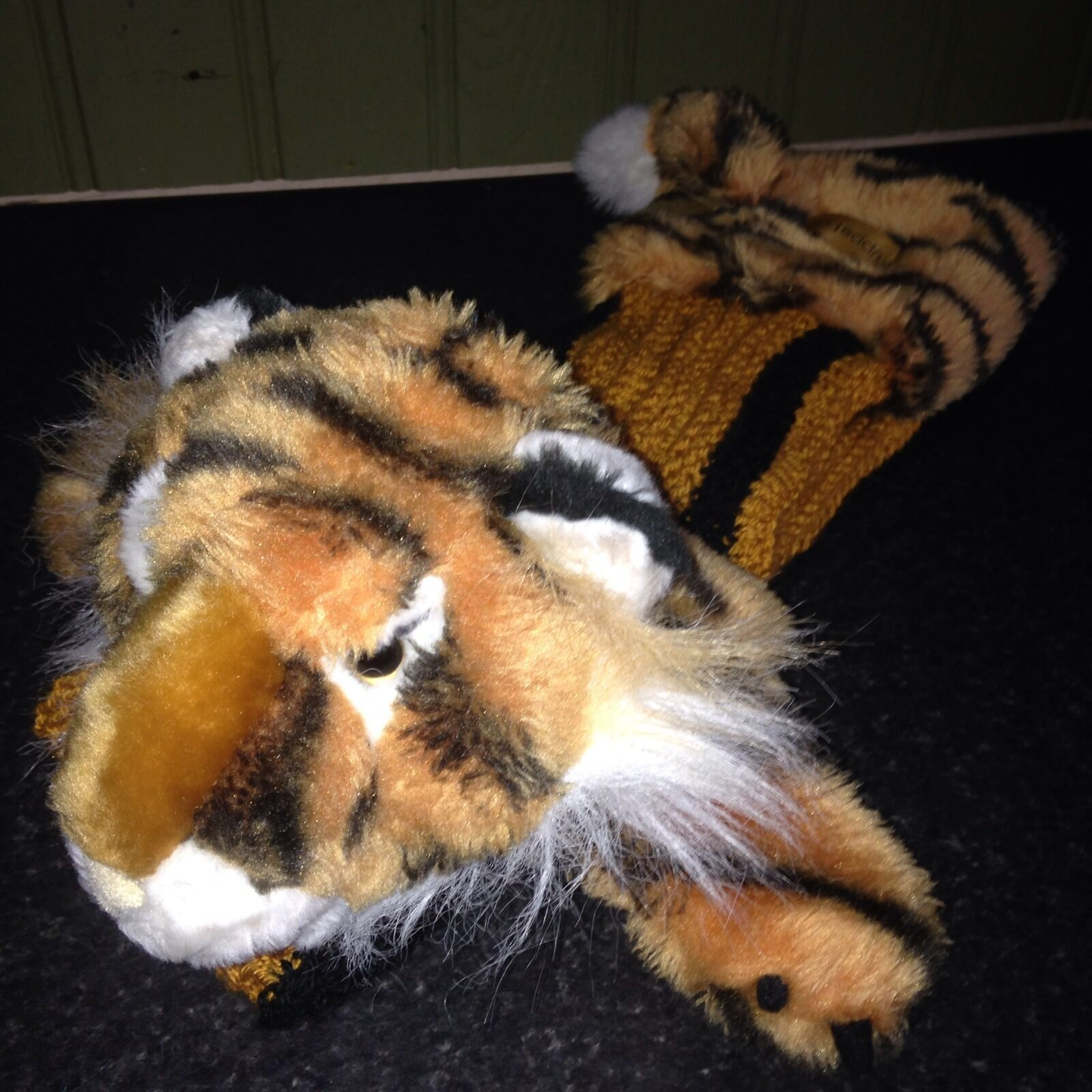 The Puppet Company Hand Puppet & Scarf In One Collectable TIGER Christmas Gift