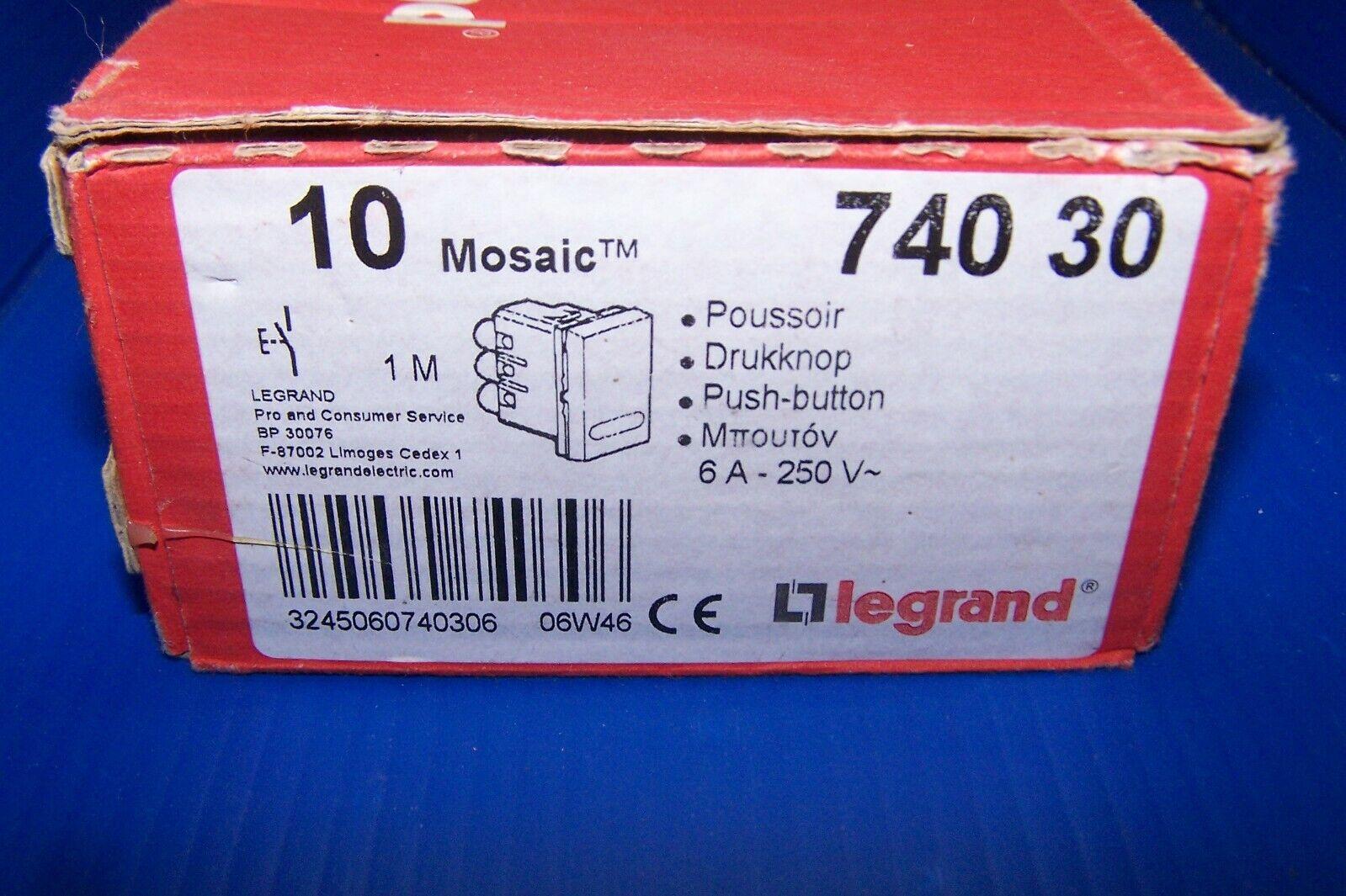 Poussoir LEGRAND Mosaic ref 740 30