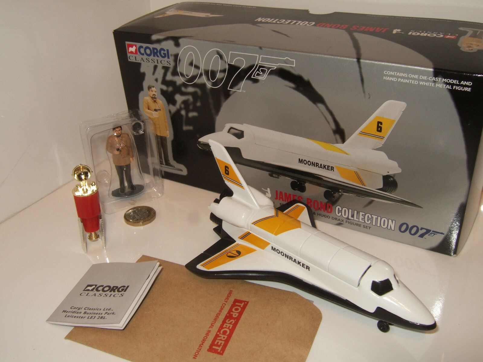 Corgi 65401 James Bond 007 Collection, Space Shuttle & Hugo Drax Figure Set