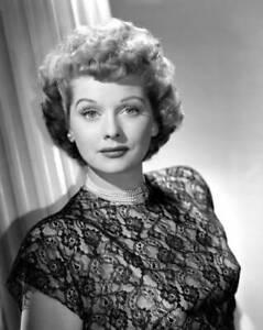 OLD-CBS-RADIO-PHOTO-Lucille-Ball-in-the-radio-program-My-Favorite-Husband-1