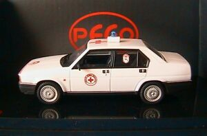 ALFA-ROMEO-90-SUPER-2-5-BERLINA-CROCE-ROSSA-ITALIANA-PEGO-PG1066-1-43-RED-CROSS