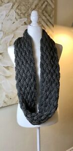 Womens-Chunky-Knit-Infinity-Scarves-Lot-of-2-1-Gray-1-Rose-Beautiful-See-Photos