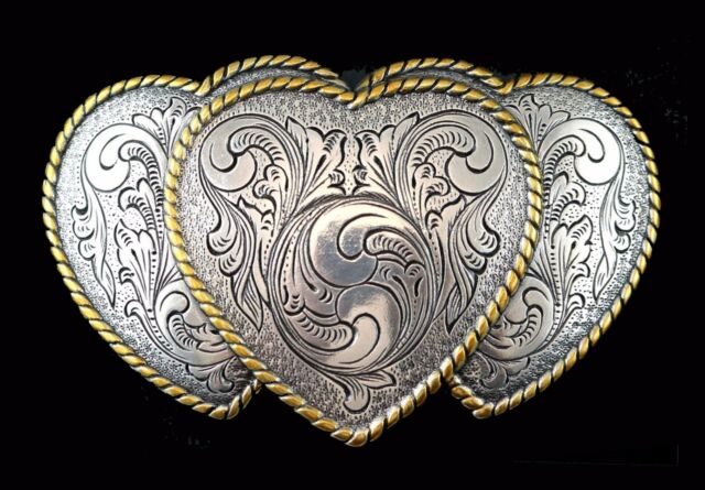 RODEO COWGIRL TRIPLE HEART WESTERN SILVER /& GOLD PLATED TROPHY BELT BUCKLE