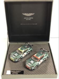 Aston-Martin-Set-DBR9-le-Mans-2006-non-007-et-non-009-1-43-Ixo-A01MC2