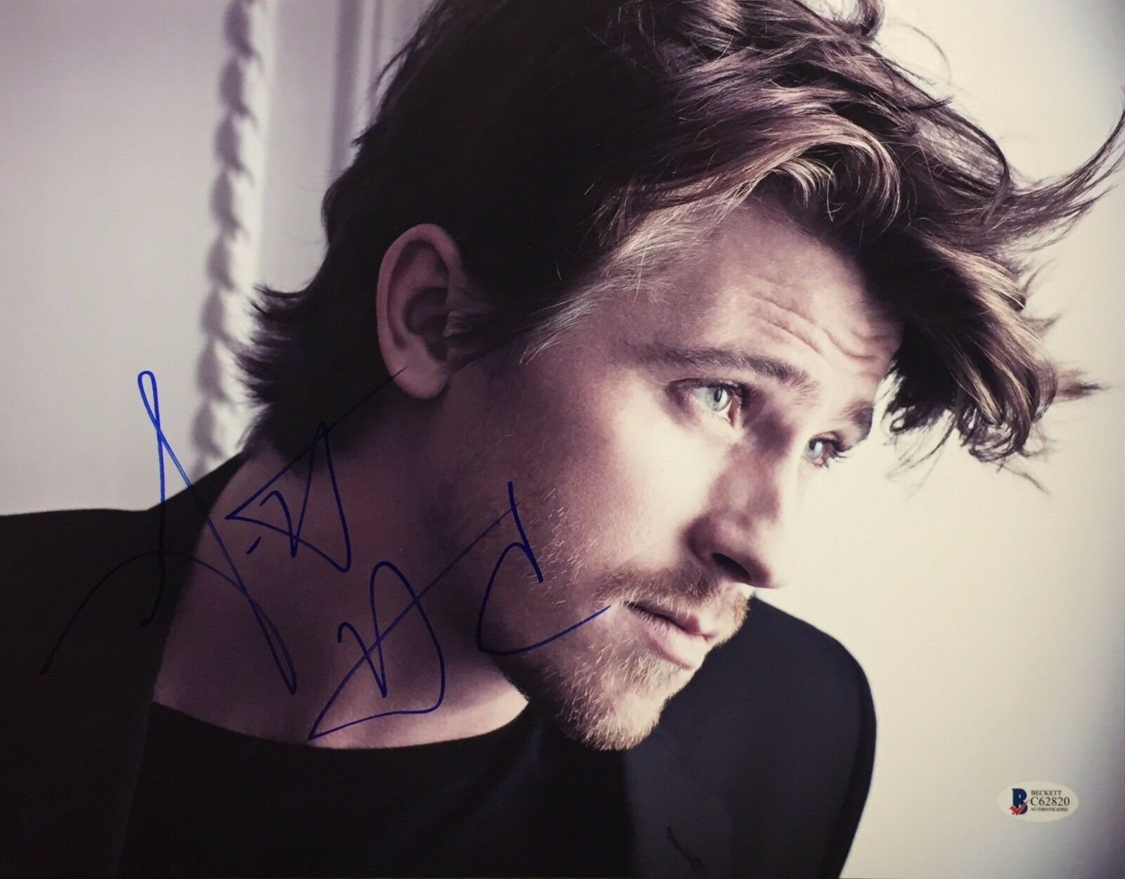 Garrett Hedlund Signed 11x14 Photo *Troy *Four Brothers Beckett BAS C62820