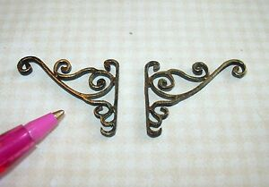 Miniature-Pair-of-Fancy-Antique-Gold-Wall-Brackets-1-DOLLHOUSE-1-12-Scale