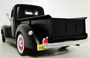 Ford-Built-1-Pickup-Truck-A-1939-Vintage-Car-T-Model-24-F150-Carousel-Black-18