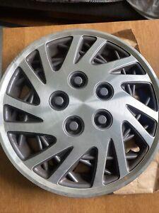 "OEM Chrysler 1993 - 95 Lebaron 1994 - 95 Caravan 15"" Wheel Cover 4684061 Triad"