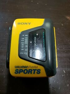 VINTAGE Sony Sports AM/FM Walkman Tape Player WM-AF59 Portable Cassette