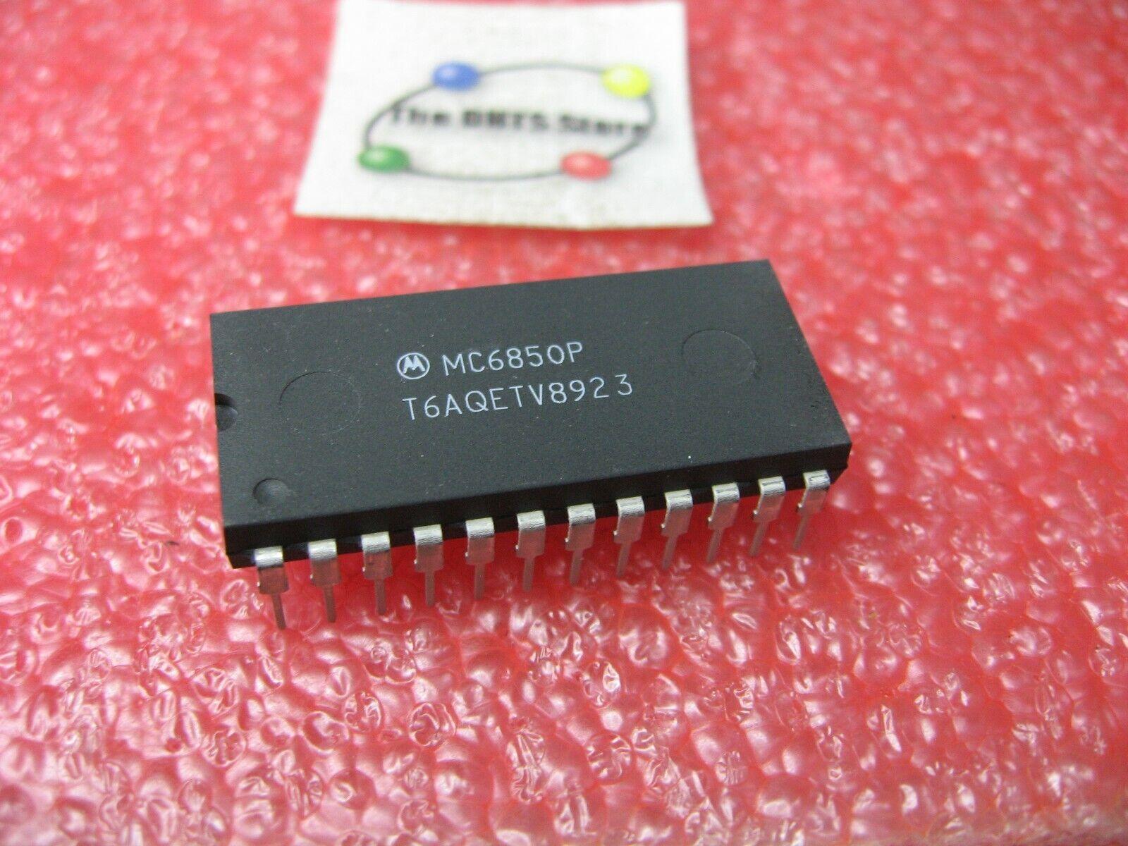 1pcs MC6850P ACIA ASYNCHRONOUS COMMUNICATIONS INTERFACE ADAPTER MC6850 6850
