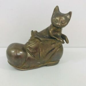 Vintage-Brass-Cat-In-A-Boot-Ornament