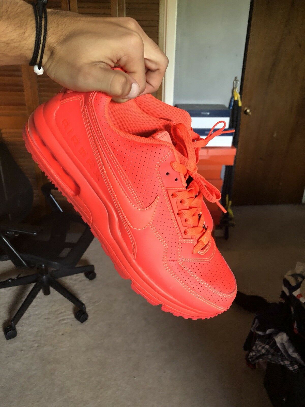 Red Nike Airmax  Cheap and fashionable