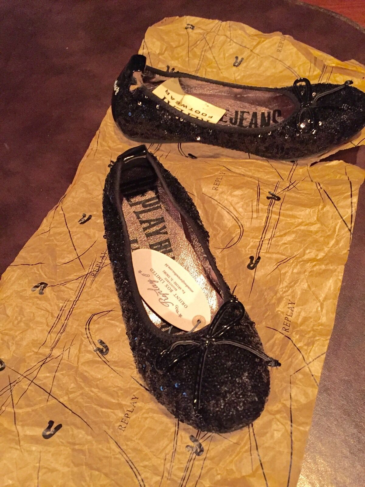 REPLAY BLACK SEQUINED FLATS BALLERINA Schuhe RUBBER TRACK SOLE SIZE 37 NEU